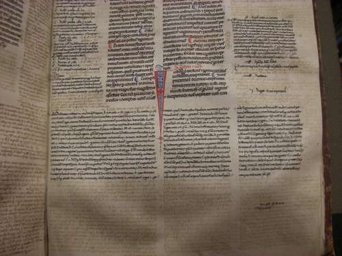 Detail of manuscript with the Instituiones Iustiniani, the SAuthenticum, the Tres Libri Codicis and the Libri Feudorum - Yale Law Library, ms. Rare Flat 11-0030 - image courtesy Yale Law Library, New Haven, CT
